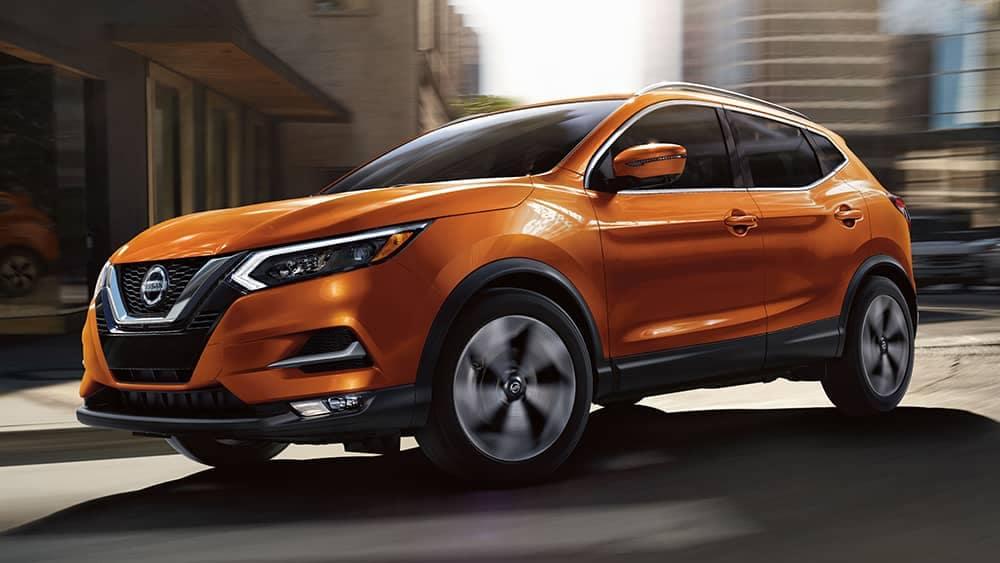 2020 Nissan Rogue Sport Driving