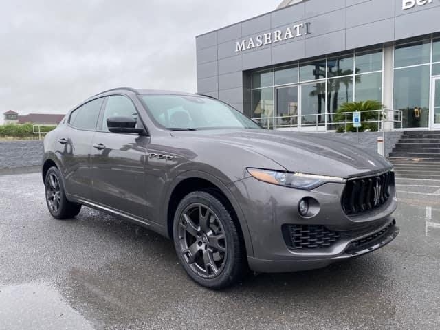 <h4>2021 Maserati Levante AWD</h4>