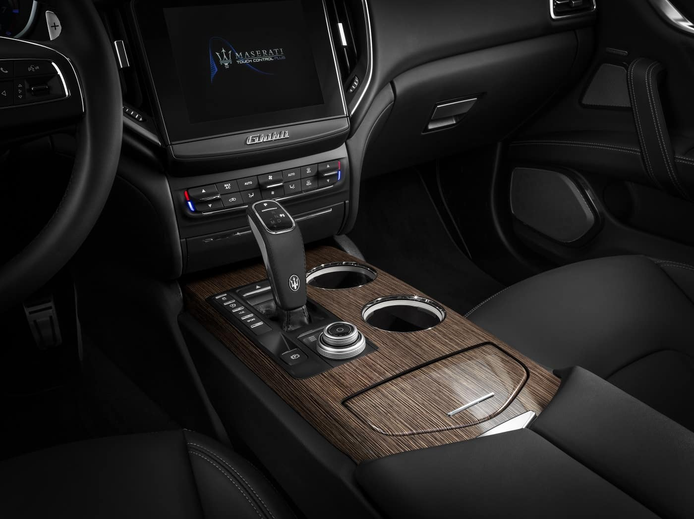 2020 Maserati Ghibli Interior Technology