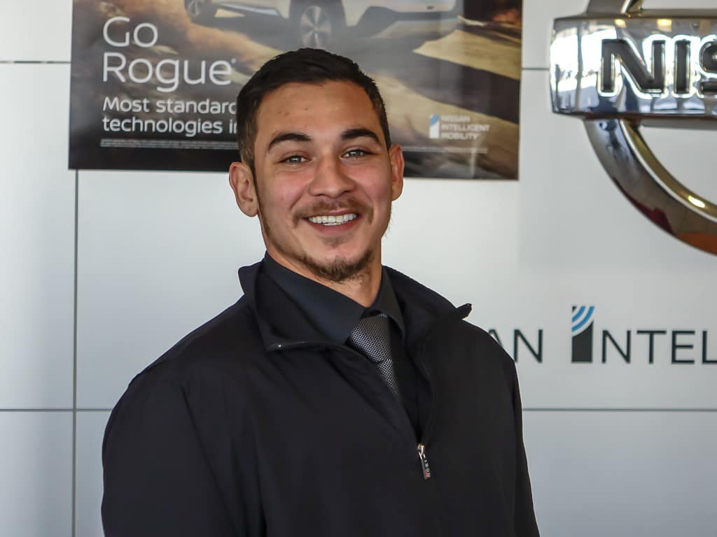 Spanish Speaking Sales Consultation - Hawk Nissan